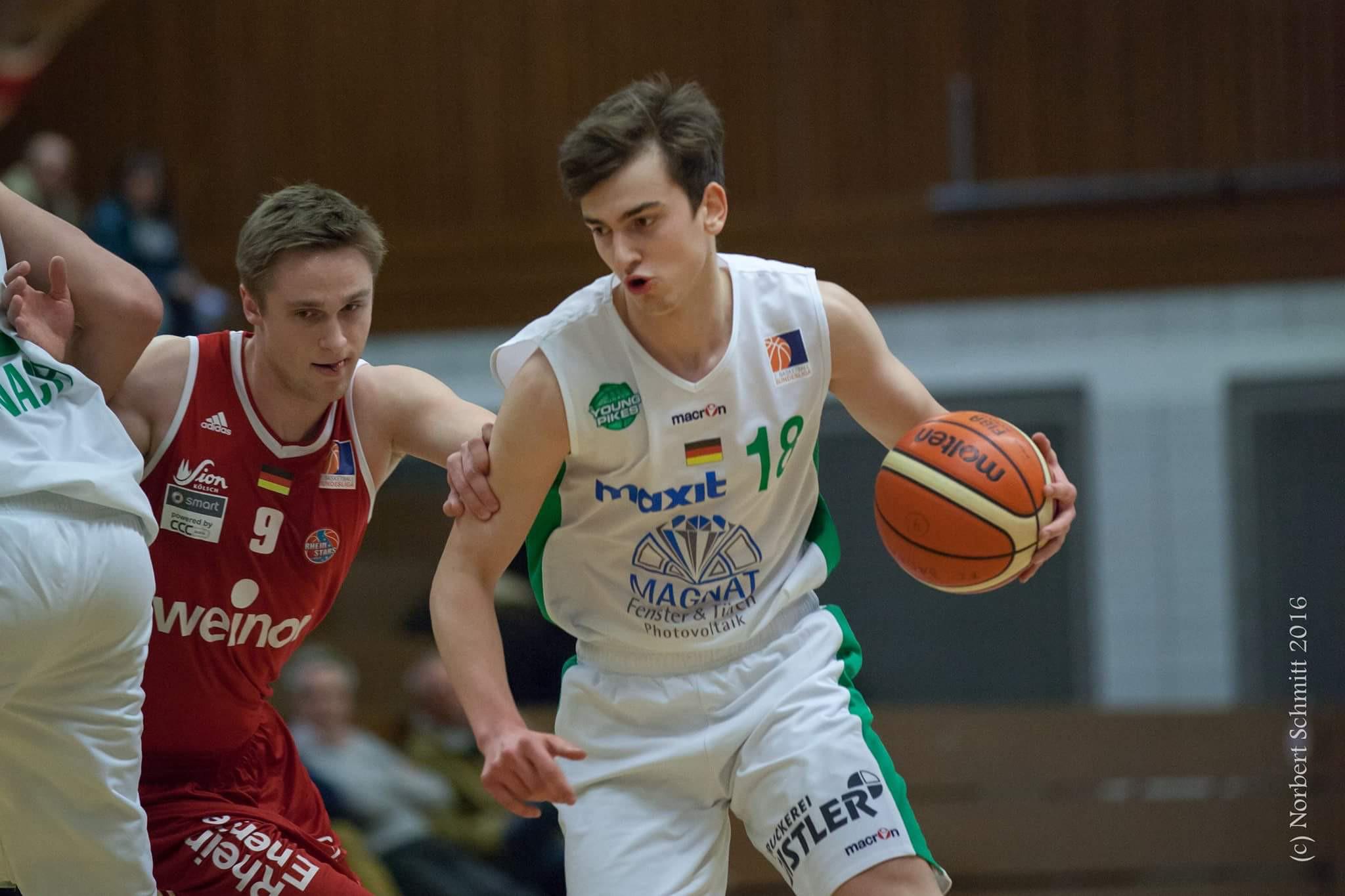 Tibor Taras unterschreibt in der Regionalliga