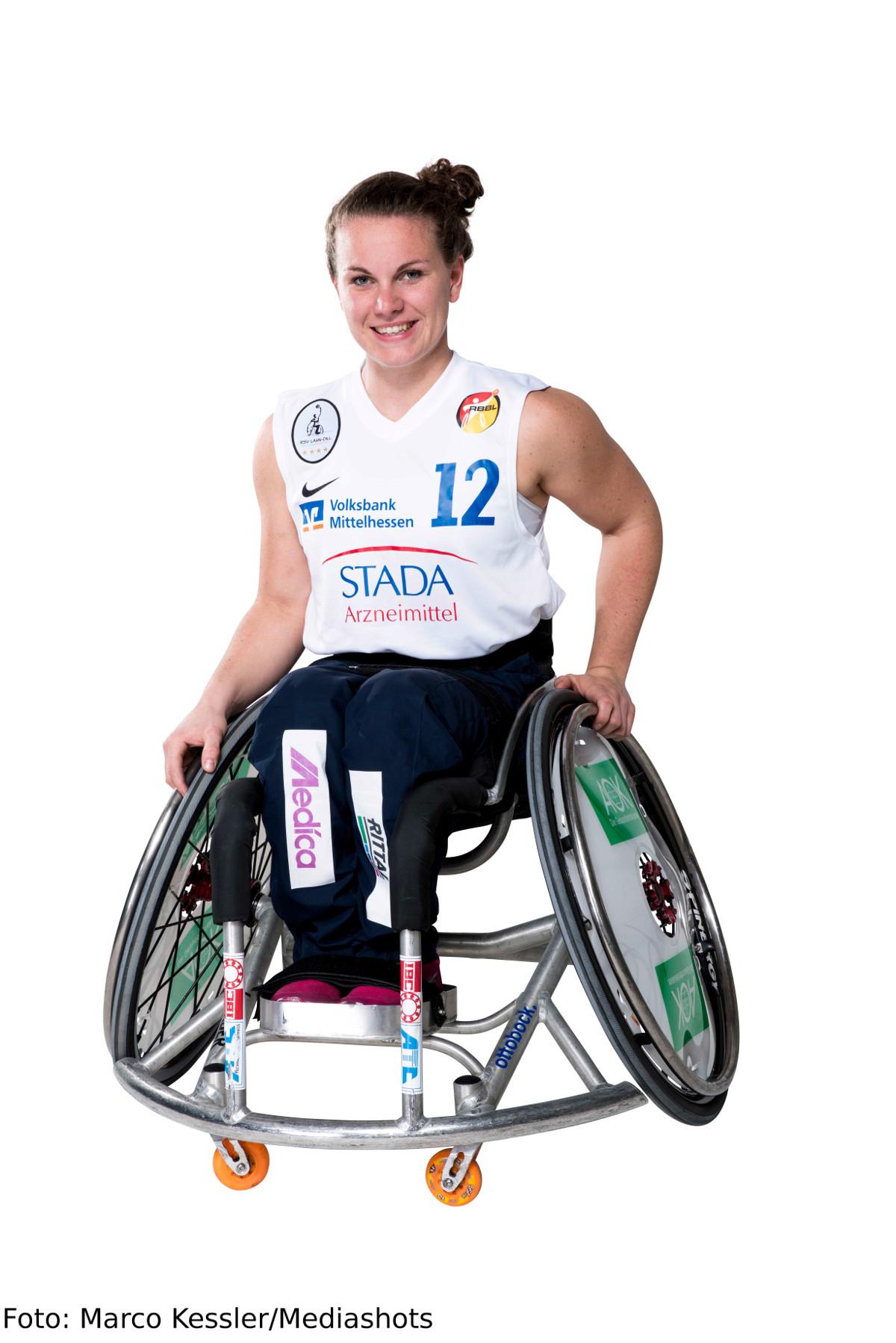 Paralympicssiegerin Breuer für besondere Leistungen ausgezeichnet