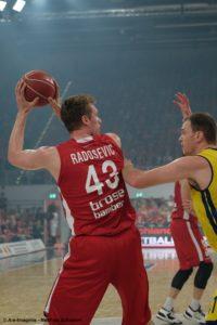 DE - Brose Bamberg - Leon Radosevic - Action