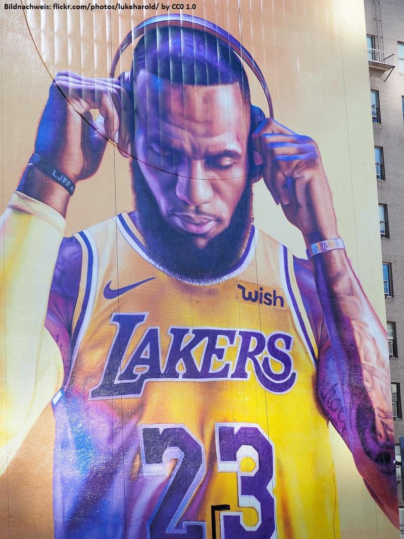 LeBron James führt Merchandising in der NBA an › BBL Profis
